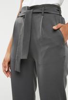 Superbalist - Self tie pants - charcoal