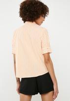 Vero Moda - Nicole 2/4 tie shirt - mulit