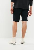 Superbalist - Slim chino shorts - navy
