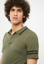 Only & Sons - Palle muscle fit polo - olive
