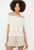 ONLY - Simo short sleeve off the shoulder top - white