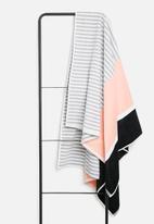 Sixth Floor - Antigua beach towel - pink & black