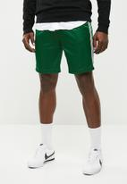 Superbalist - Tricot side taped short - green