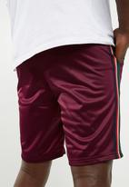 Superbalist - Tricot side taped short - burgundy