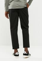Bellfield - Cropped trouser-  black