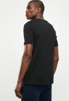 Superbalist - Short sleeve henley tee - 2 pack