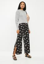 New Look - Flossy wide leg pants - black