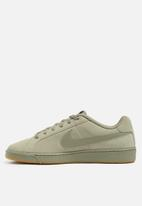 Nike - Court Royale Suede - light taupe / gum light brown