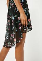 New Look - Sonia floral wrap dip hem dress - multi