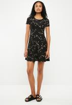 New Look - Print jersey lattice dress - black