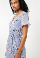 New Look - Anna floral lace midi dress - blue