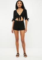 New Look - 3/4 sleeve tie front playsuit - black