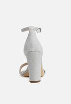 Call It Spring - Loreg block heel - silver