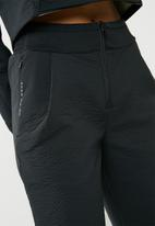 Nike - Tech pack pants - black