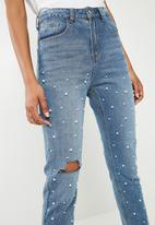 Superbalist - Blue mom jeans with pearls - blue