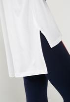 PUMA - Modern sport logo tee - white
