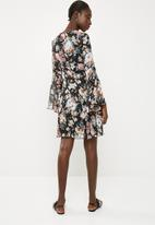 Superbalist - Bell sleeve fit & flare dress - multi