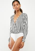 Missguided - Striped plunge neck bodysuit - black & white