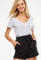 Cotton On - High waist summer belted short - black
