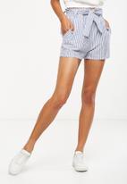 Cotton On - High waist summer belted short - navy/white stripe