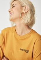 Cotton On - Tammy summer chopped graphic long sleeve tee- yellow