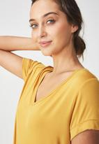Cotton On - Karly summer short sleeve v-neck top - mustard