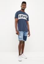 Levi's® - Classic colour block tee - navy & white