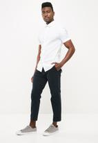 New Look - Muscle poplin polka dot shirt - white