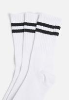Superbalist - Retro 3 pack sport socks - white
