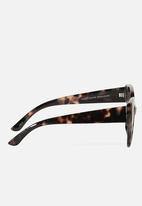 Cotton On - Violet cateye sunglasses - milky sand
