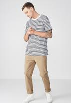 Cotton On - Dylan short sleeve tee - black & white