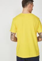Cotton On - Tbar shorts sleeve tee - yellow