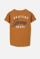 Cotton On - Max short sleeve tee skaters gonna skate - tan