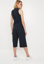 Missguided - High neck pinstripe culotte jumpsuit - navy & white
