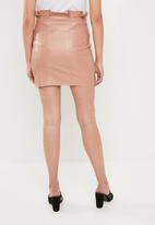 Missguided - Faux leather button paperbag mini skirt - pink