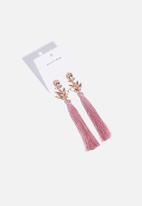 Superbalist - Flower tassel earrings - pink