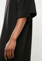 Missguided - Oversized short sleeve T-shirt dress - black