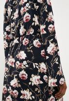 Missguided - Satin plunge tie front shift dress - black