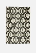 India Ink - Tribal outdoor rug - black & white