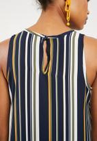 Superbalist - Woven scoop neck vest - navy