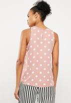 Superbalist - Woven scoop neck vest - Dusty pink