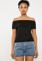 Superbalist - Off the shoulder knit top with frill - black