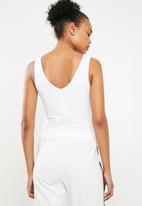 Superbalist - V-neck 2 pack vest - black & white