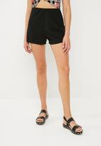 Superbalist - Pull on knit shorts - black