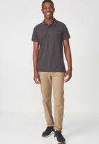Cotton On - Icon short sleeve polo - charcoal