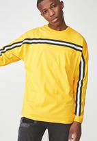 Cotton On - Drop shoulder long sleeve tee - yellow & black