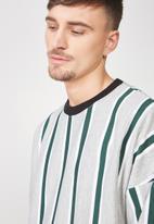 Cotton On - Drop shoulder long sleeve tee - grey & green