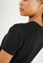 Superbalist - Crew neck 2 pack tees - black & red