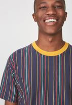 Cotton On - Downtown loose fit short sleeve tee - multi