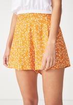 Cotton On - Maya flirty short - yellow & white